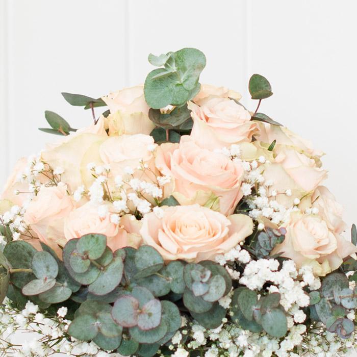 Blumen liefern lassen, Rosen in Pastell,