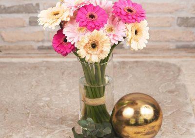 Blumenstrauß aus Gerbera in Pink, Creme und zartem Rosé, puristischer Strauß Vom Blumenversand Interfleur